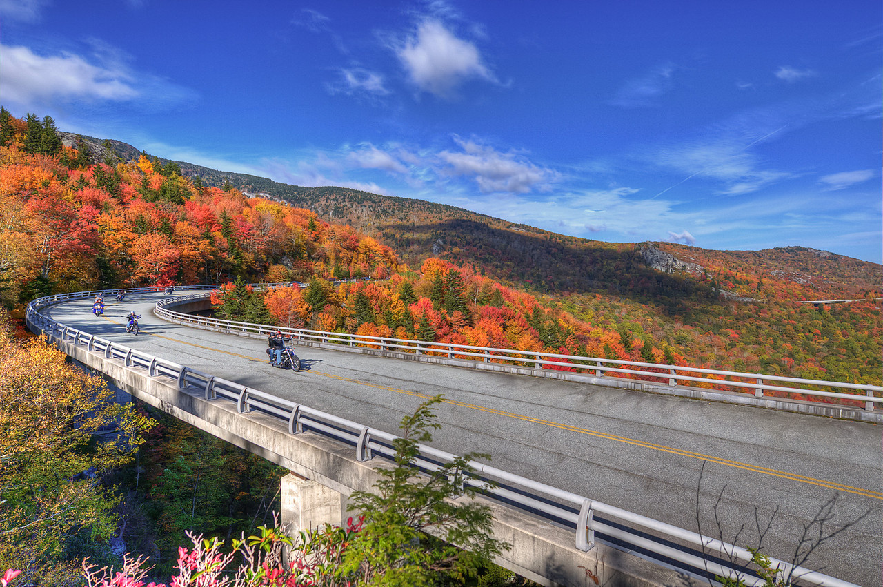 Fall is Coming to NC High Country  http://sillymonkeyphoto.com/2011/10/12/fall-is-coming-to-nc-high-country/